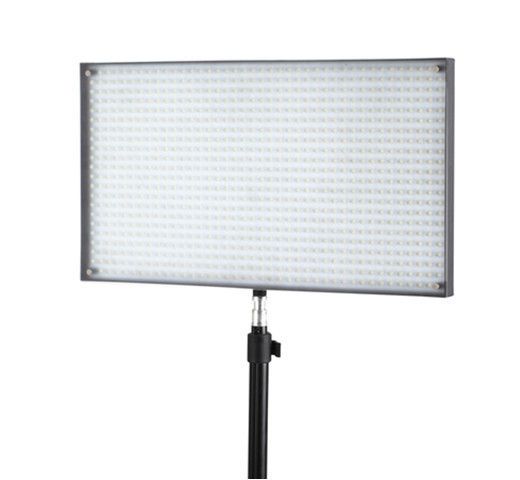 Studio Lighting For Sale: نفض الغبار مجاني الفنية التصوير الفوتوغرافي معدات الإضاءة